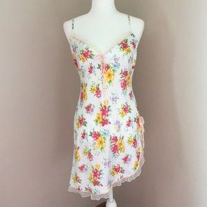 Victoria's Secret chemise gown w/ floral print